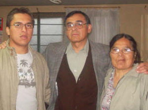 Udelia Santiago Chavez (l.) with Pastor Narciso Zamora and their younger son, Pastor Eliezer Zamora Santiago